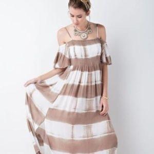 [boutique] off the shoulder smocked maxi dress